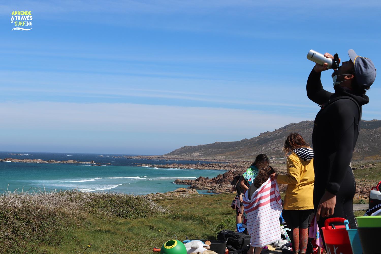 Laken, bautismos de surfing en la playa